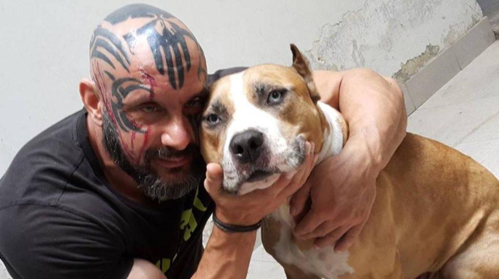 «Άγγελοι», η εθελοντική ομάδα που απελευθερώνει κακοποιημένα σκυλιά και φροντίζει να τιμωρηθούν οι υπεύθυνοι