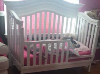 Μπήκε στο Δωμάτιο και Πλησίασε την Κούνια του Μωρού της. Σοκαρισμένη, δεν πίστευε ΑΥΤΟ που έβλεπε!